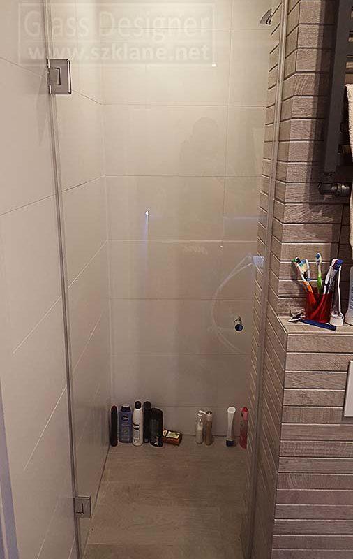 drzwi łazienkowe na wymiar; wnęka prysznicowa aranżacja