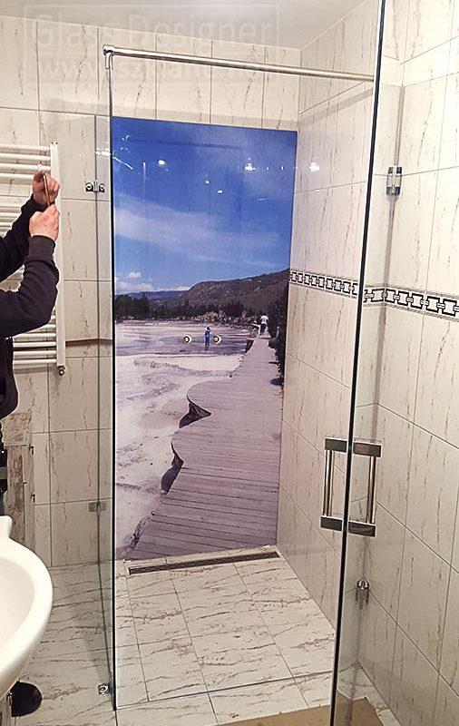 grafika w łazience