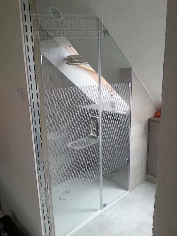 Drzwi szklane - kabina ze wzorem piaskowanym