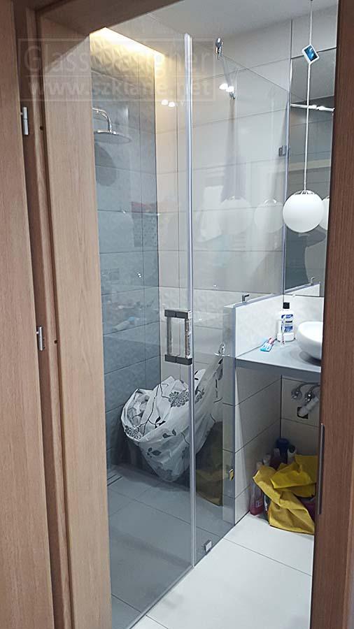 zabudowa prysznica - drzwi plus ścianka stała z wycięciem pod murek