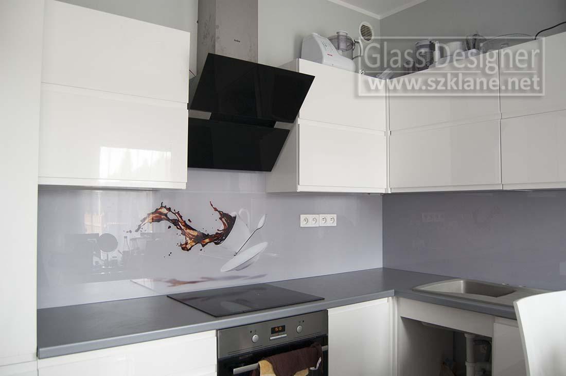 szary, popielaty panel w kuchni