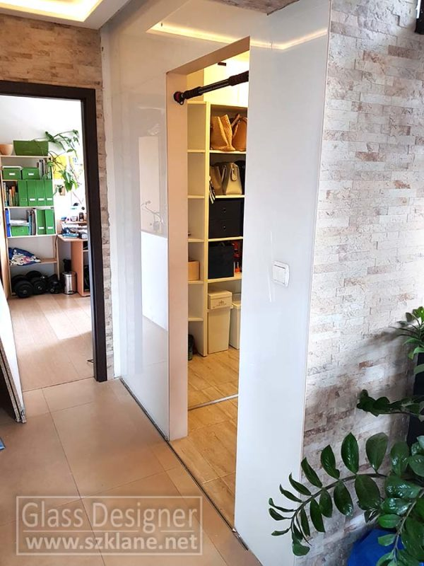 szkło lakierowane białe; lacobel na ścianie