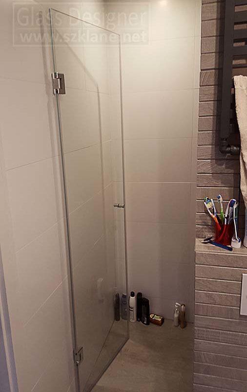 Drzwi we wnęce; prysznic we wnęce aranżacja