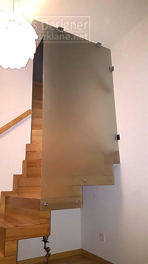 ścianka szklana zabezpieczająca schody w domu; szyba przy schodach; zabezpieczenie schodów ze szkła