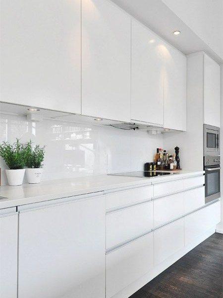 biały panel do kuchni