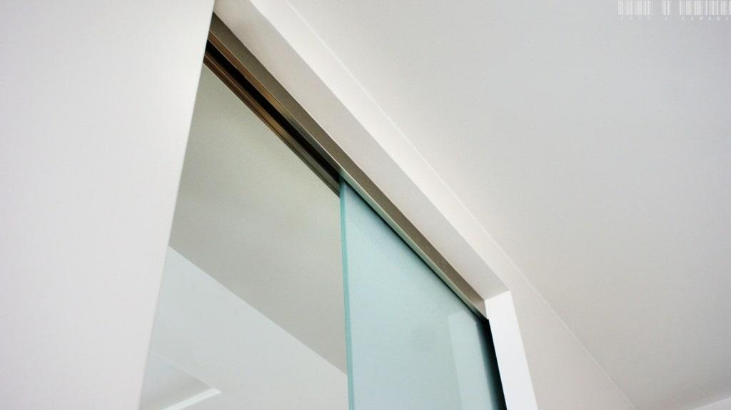 system przesuwny szklanych drzwi