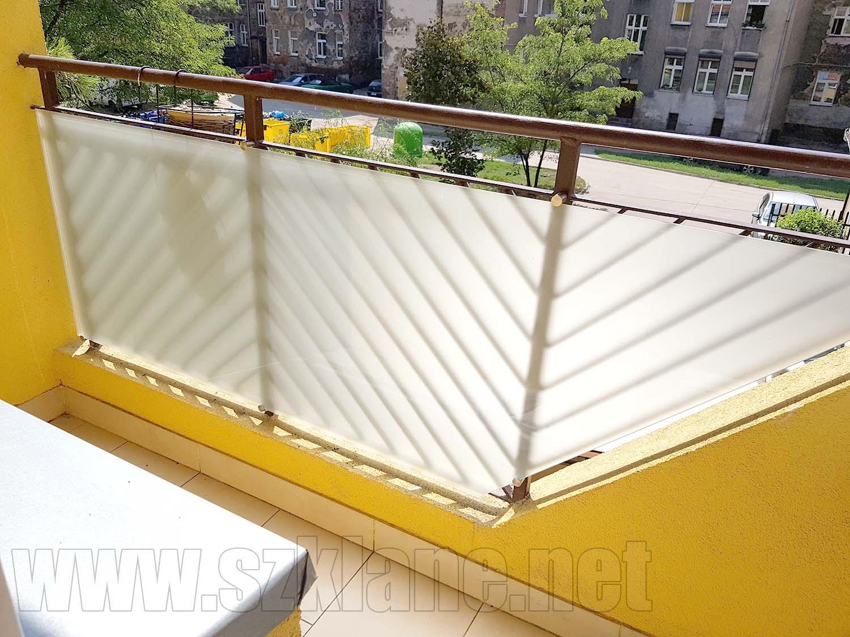 szkło matowe na balkonie