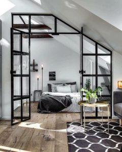 metalowy czarny profil; zabudowa poddasza; loft